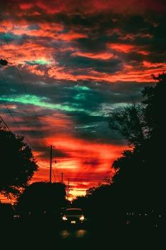 blood red delta sunset, zeiss 85mm