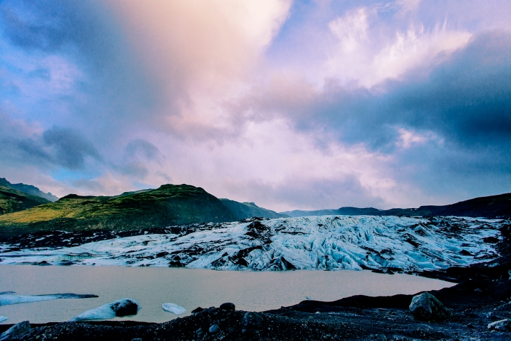 Solheimajokull glaciar and lagoon