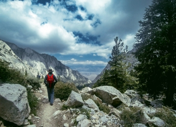 Hiking down from Lone Pine Lake