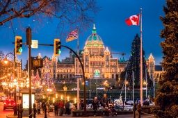 Exploring a wintry but cozy Victoria, British Columbia